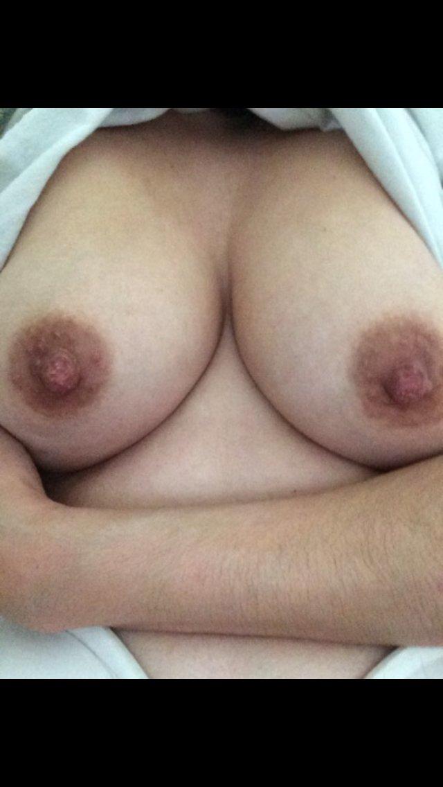 Nude Selfie 10211