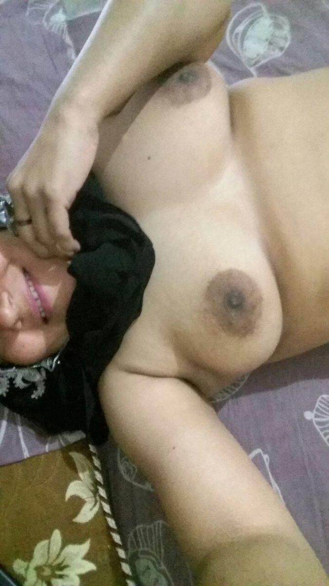 Nude Selfie 10218