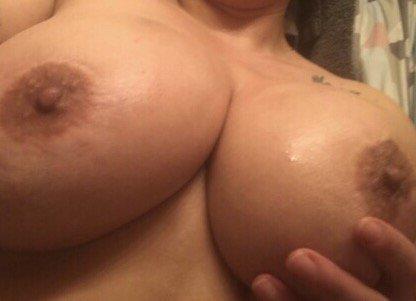 Nude Selfie 10236