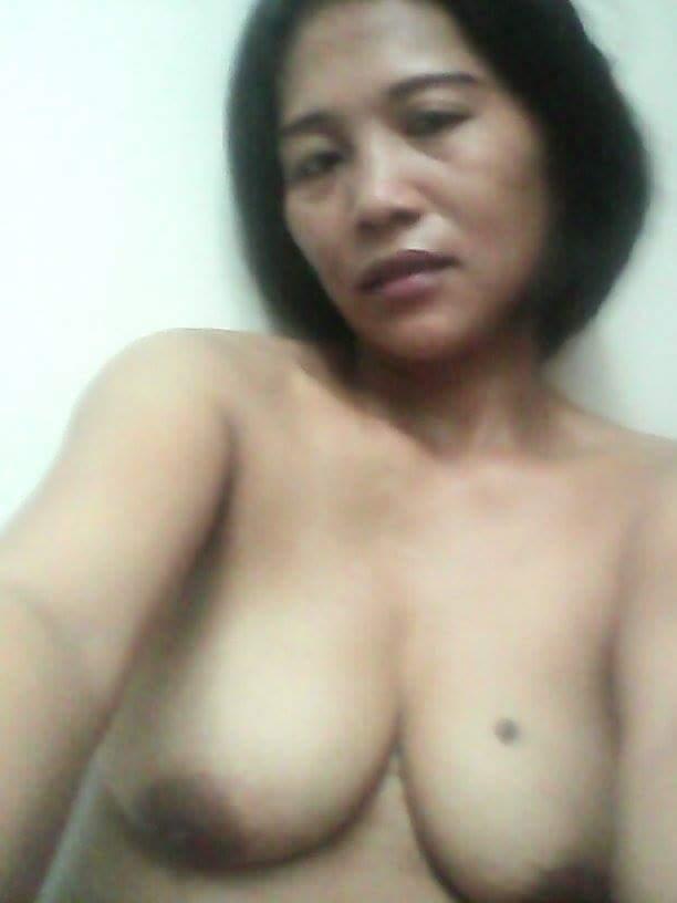 Nude Selfie 10250