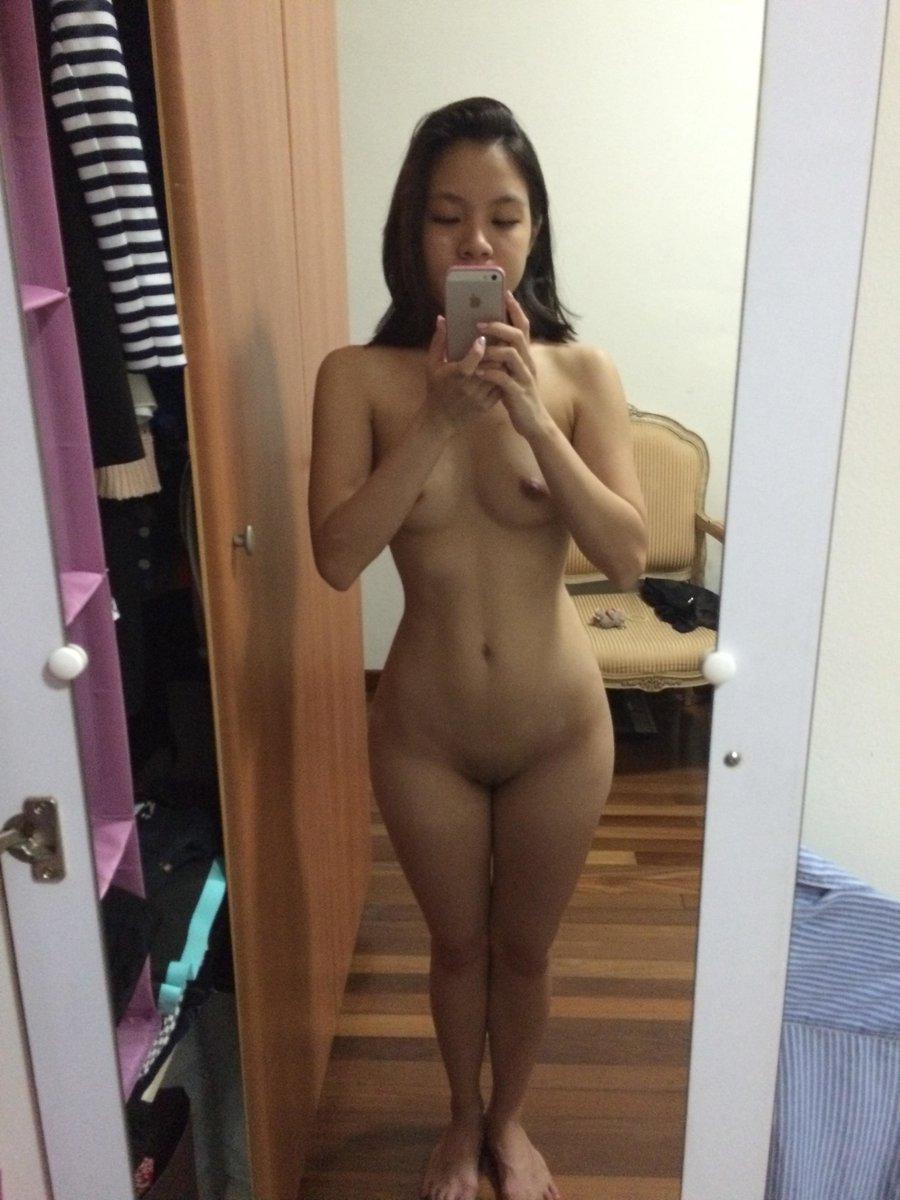 Nude Selfie 10259