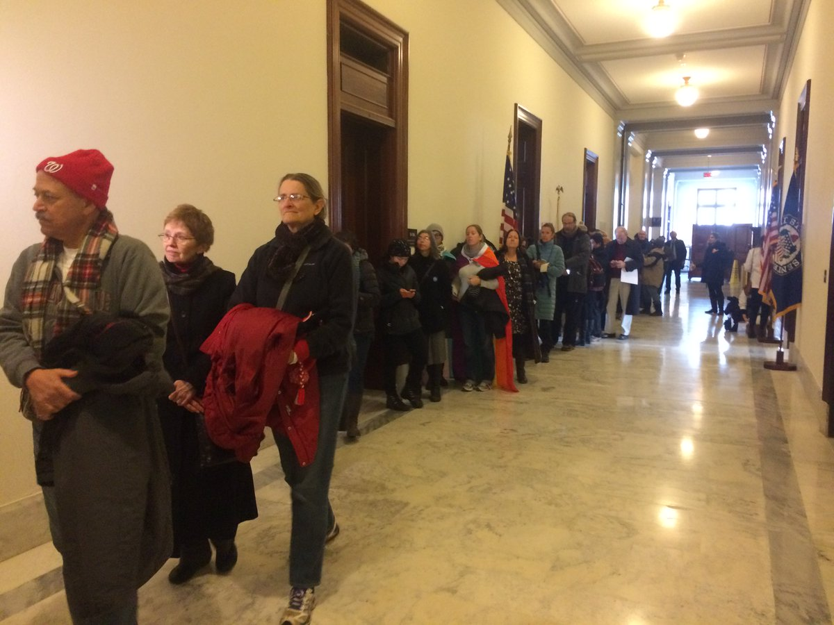 #MoralMonday marchers line up in front of #MitchMcConnell's office to #StopSessions https://t.co/EeGQlVsvn4