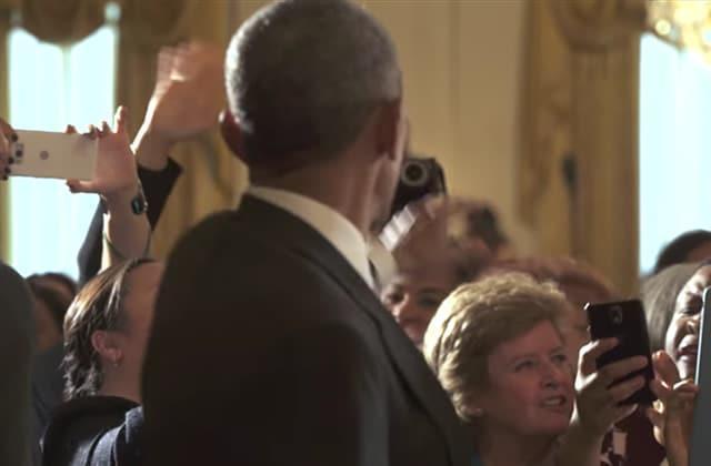 L&#39;adieu à #Obama, la vidéo émouvante du jour #Farewell #POTUS   http://www. madmoizelle.com/obama-video-ad ieu-699539?utm_campaign=Echobox&amp;utm_medium=Social&amp;utm_source=Twitter &nbsp; … <br>http://pic.twitter.com/I8UaRCX3KT