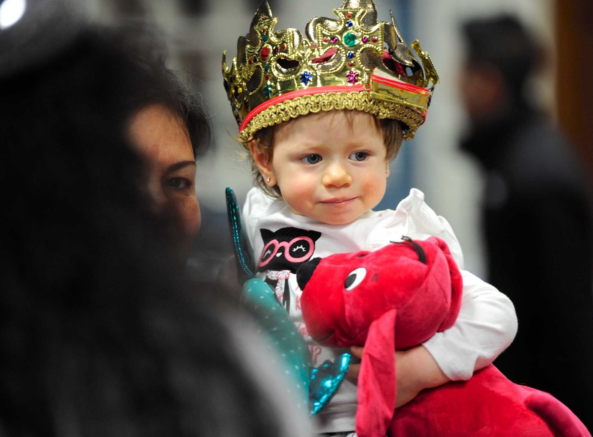 Three Kings celebration is expanding in the US  http:// bit.ly/2ivUymN  &nbsp;   #holiday #ReyesMagos #Spain #PuertoRico #Mexico #Latinos #Latism<br>http://pic.twitter.com/Tvz25MfaUg