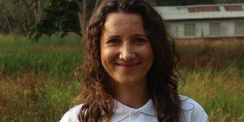 Einsatzärztin Marta Szczepańska ist in #Serabu angekommen und wird die nächsten Wochen aus unserer Klinik berichten. https://t.co/ClQViIu5zJ https://t.co/PyunfR2UQH