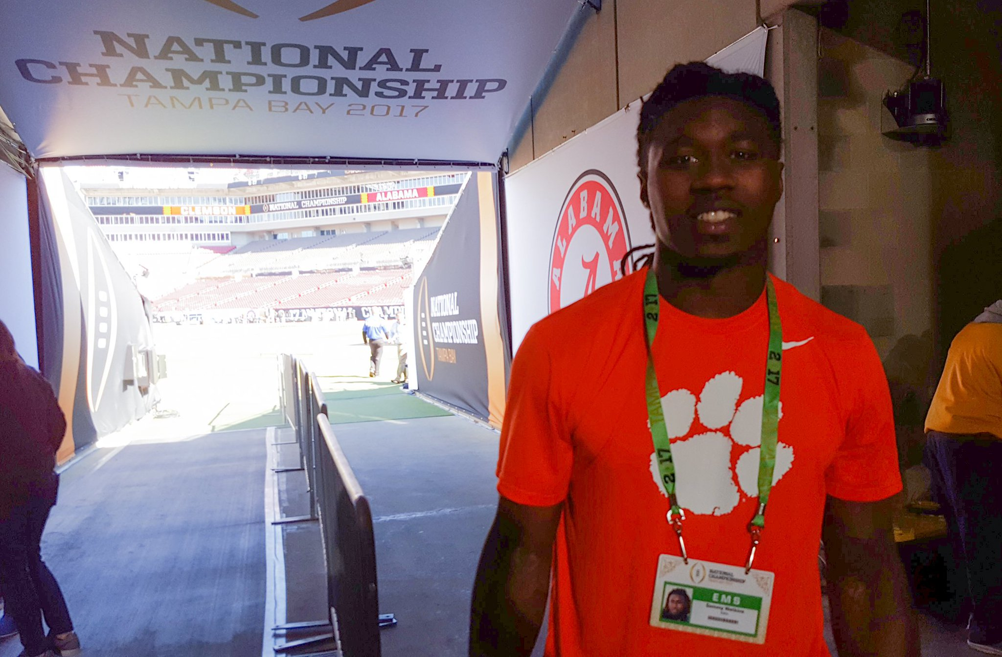 .@sammywatkins is #ALLIN! #ClemsonFamily https://t.co/xm1fNCE0CX