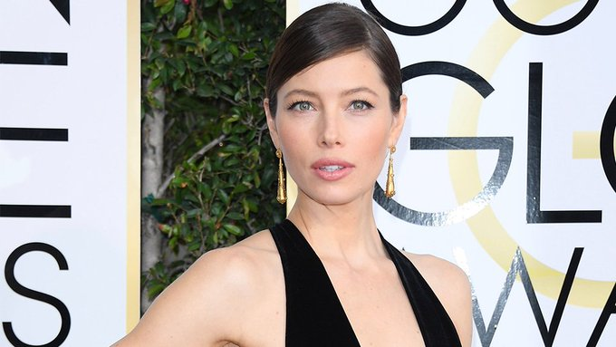 You Need to See Jessica Biel's Golden Globes Hair From the Back