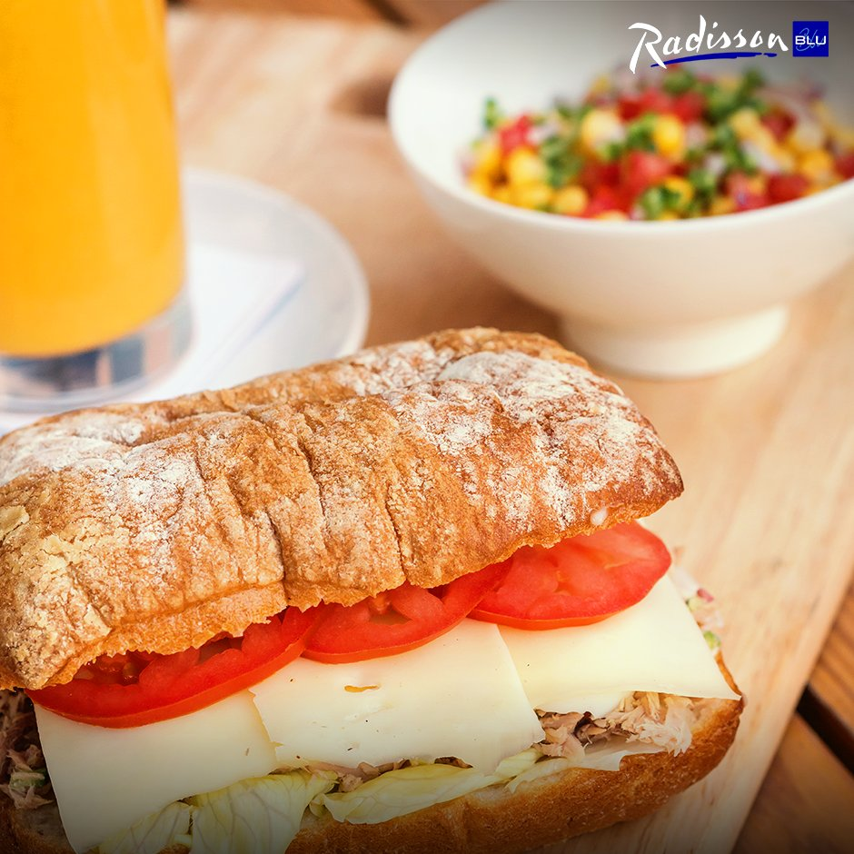 Enjoy the freshly baked bread straight from the oven. #RadissonBlu #RadissonBluCairoHeliopolis #Hotel #Cairo #Heliopolis https://t.co/XEc6ng6ryz