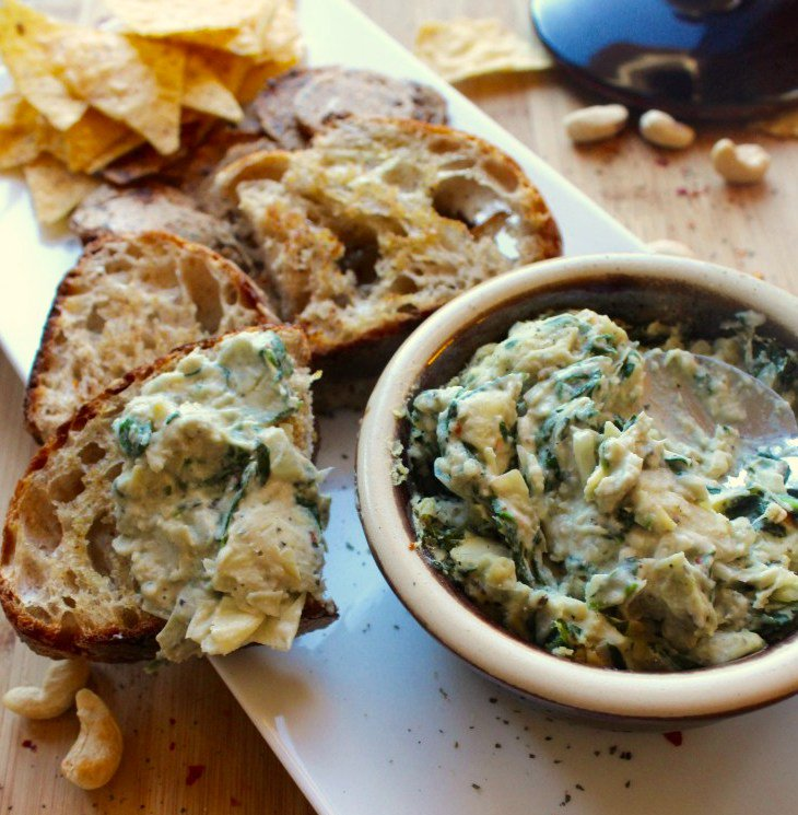 Hot Spinach, Artichoke and White Bean Dip http://www. findingvegan.com ...