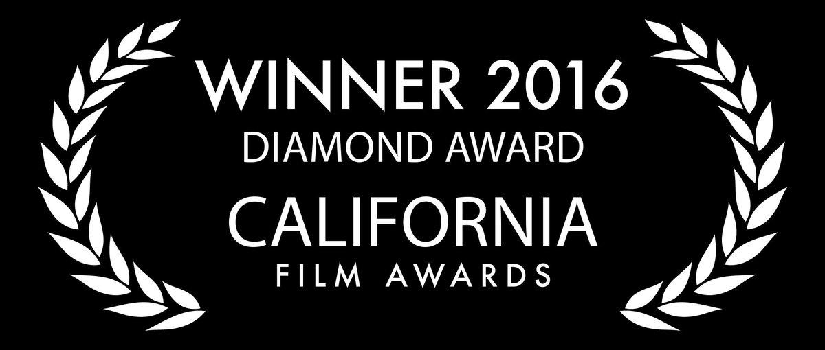 Merci beaucoup et félicitations à l&#39;équipe ;) #California #award #filmfest #AllezAlikeCourt<br>http://pic.twitter.com/7eWH3adkg7