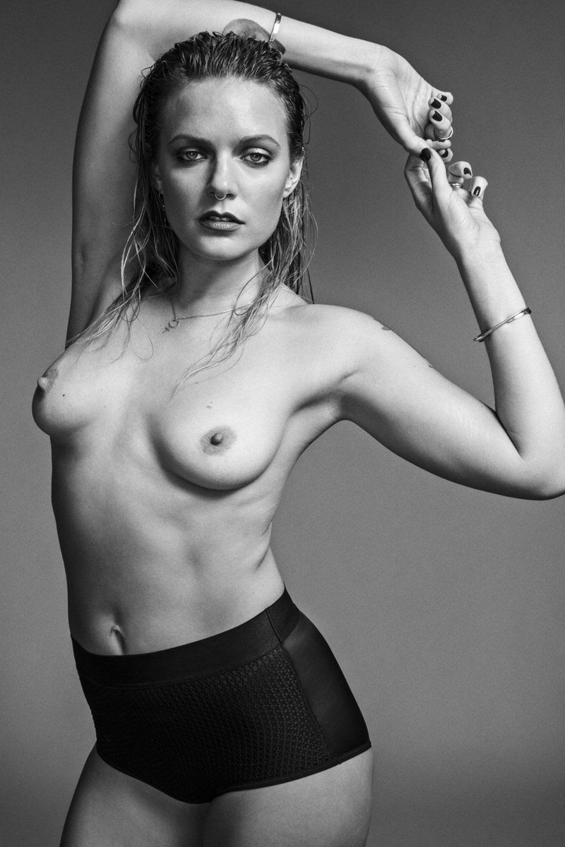 Olsen nackt Lise  Lili Simmons