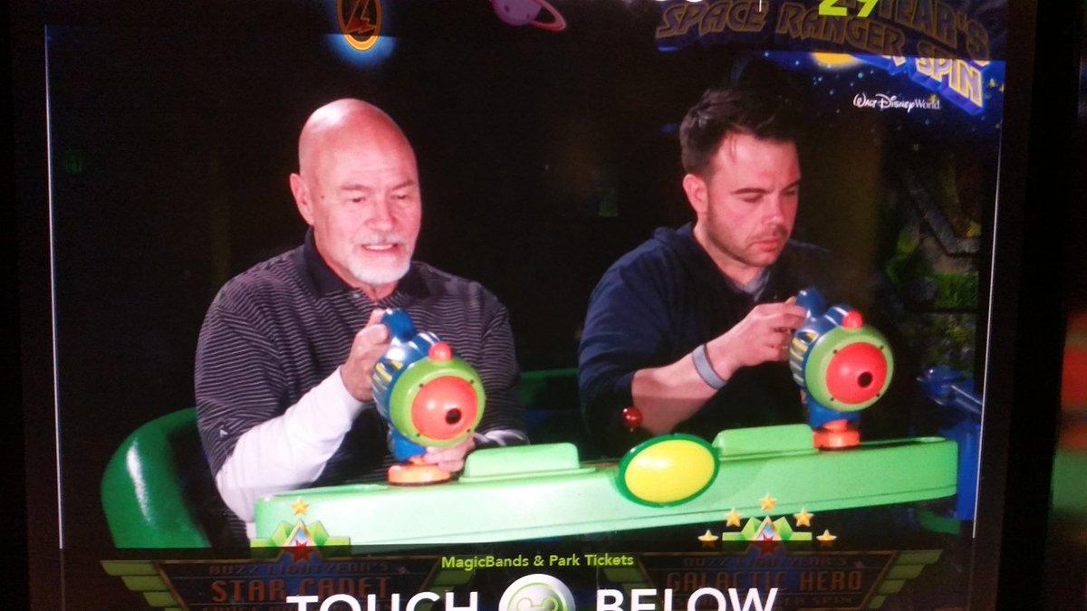. @TonyBrunoShow &amp; @LuigiCurto22 tried but they couldn&#39;t beat my score! @WaltDisneyWorld #BuzzLightYear <br>http://pic.twitter.com/aBFQ5g63b1