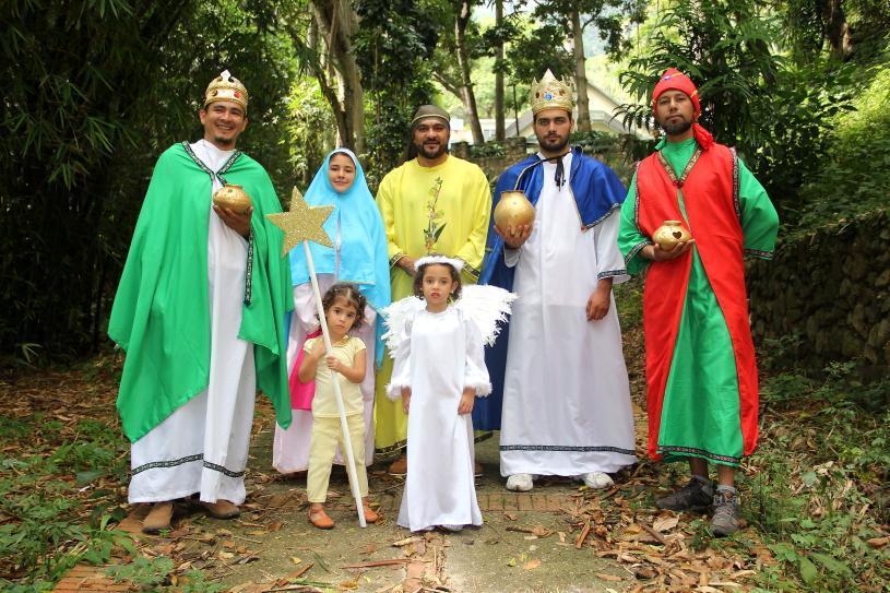#Hoy los #ReyesMagos de  la @CTCultura visitaron a los niños trujillanos en la #vueltaaClases @FRNSTRU #Tradicion @ajacquep<br>http://pic.twitter.com/82f3AVDXgl