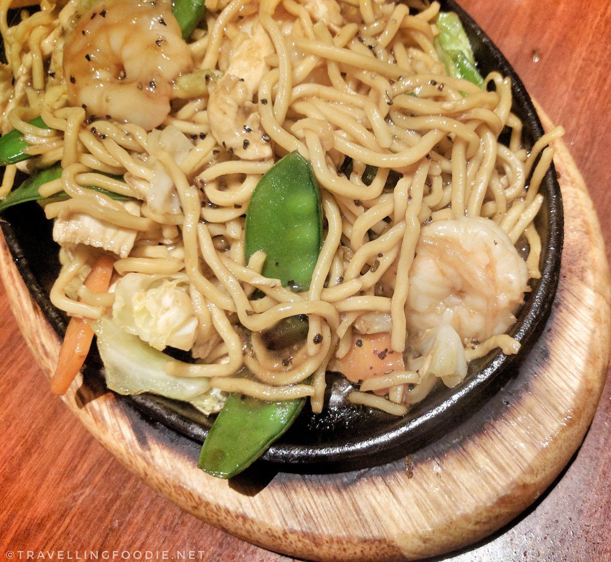 Travelling Foodie Eats Sizzling Pan Fried Noodle at Dragon Noodle Co in Monte Carlo Las Vegas Nevada