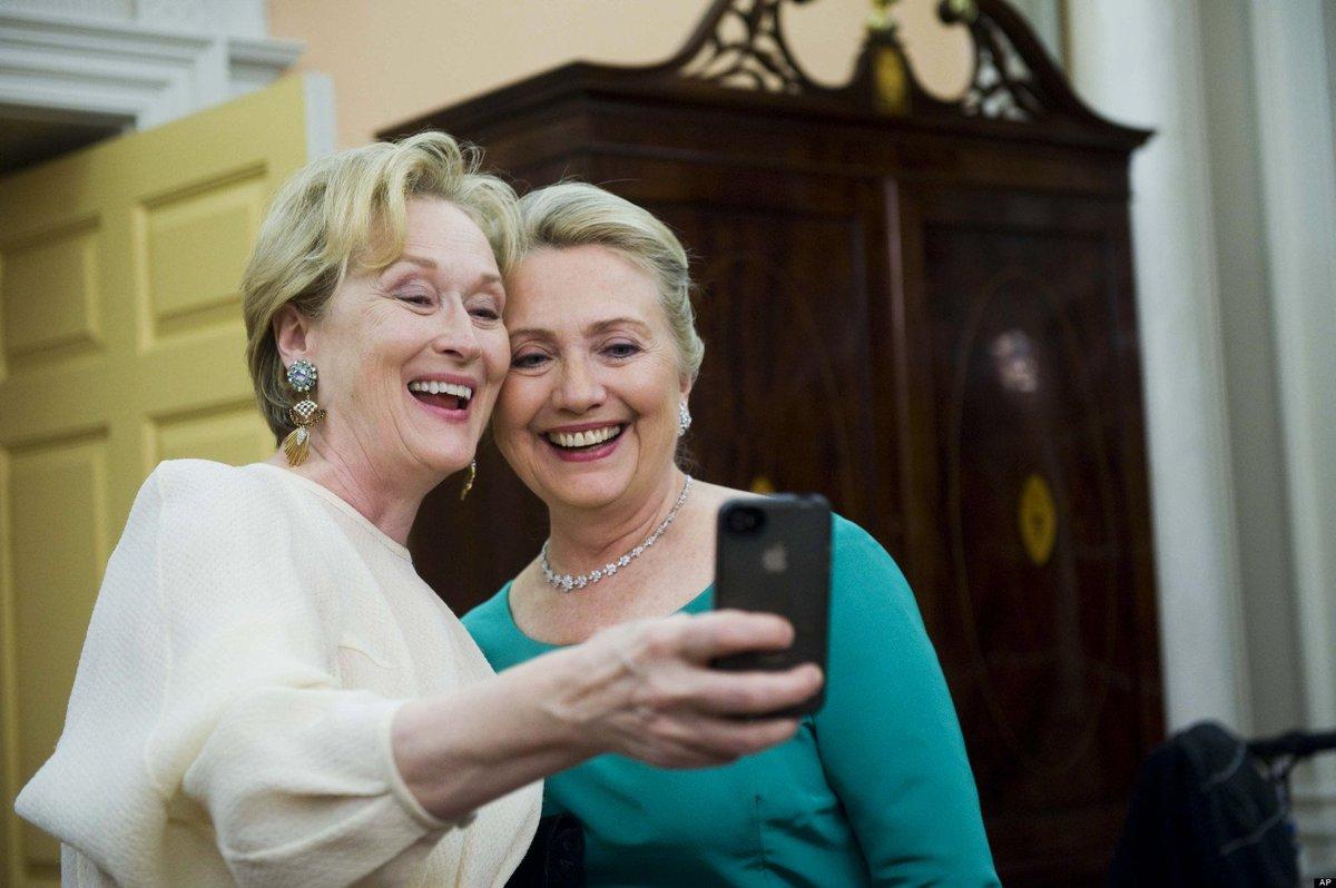 #GoldenGlobes #MerylStreep Meryl Streep and Behghazi https://t.co/Pr7kBgIKKI