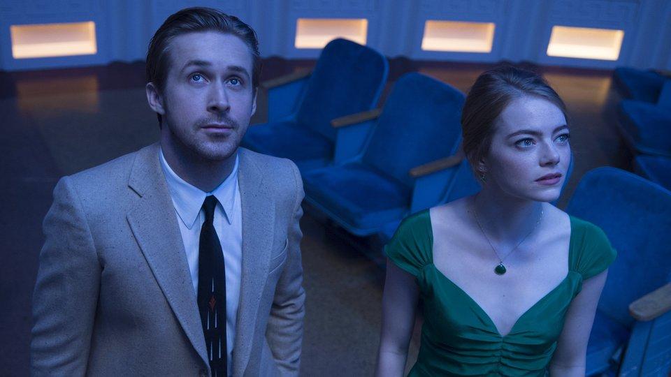 La La Land review ★★★★★  https:// goo.gl/fx3Wvg  &nbsp;   #LaLaLand #EmmaStone #RyanGosling #Oscars #BAFTA #GoldenGlobes<br>http://pic.twitter.com/IIe9PbozG7