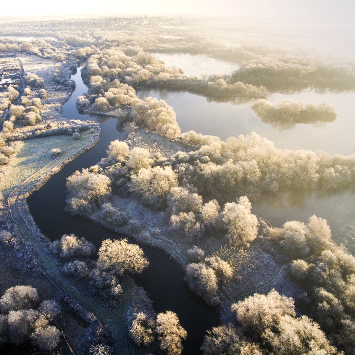 Nothing like flying on a frosty morning. Tremendous work by @martynhphoto #WexMondays https://t.co/yHre8tie2N
