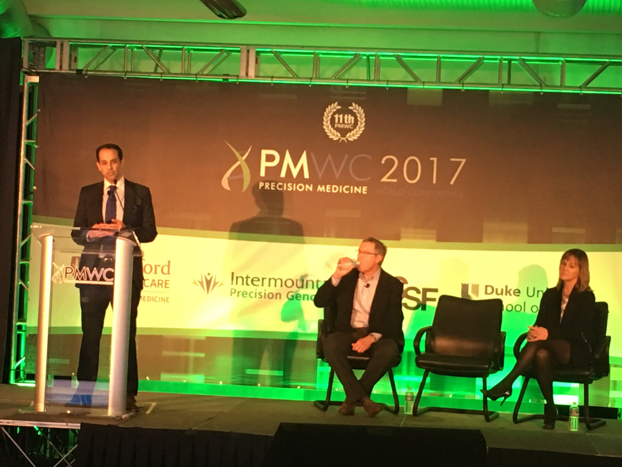 Eltoukhy: @GuardantHealth - Conquering cancer with data and the world's largest blood based cancer database #liquidbiopsy #PMWC17 https://t.co/JBxA8jB2u3