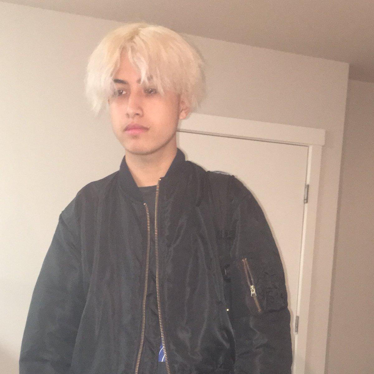 月一でブリーチしてたら髪の毛が昨夜死んでしまって坊主になってしまったよ。髪の毛を大切にしよう