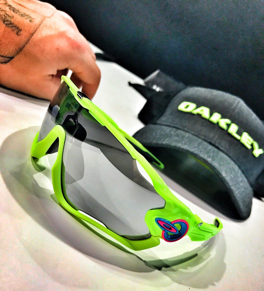 Oakley riff raff