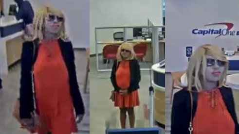 FBI seeks public's help in finding this woman who robbed two banks in the Houston area. https://t.co/nLhJzOoYJ0
