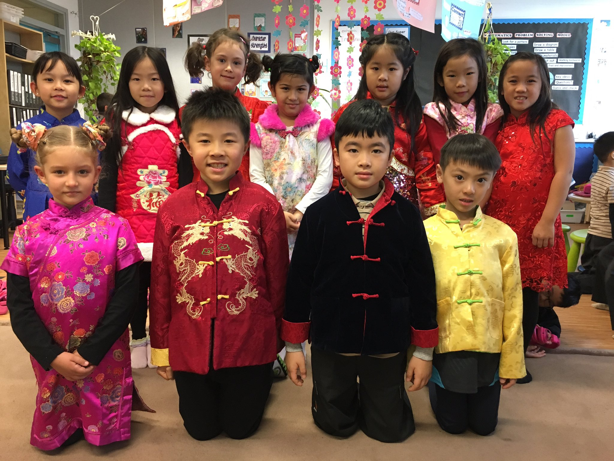 @RESVTlibrary here are students in their CNY costumes. #rchkpyp #awesome3LT https://t.co/IrLf63fNtm