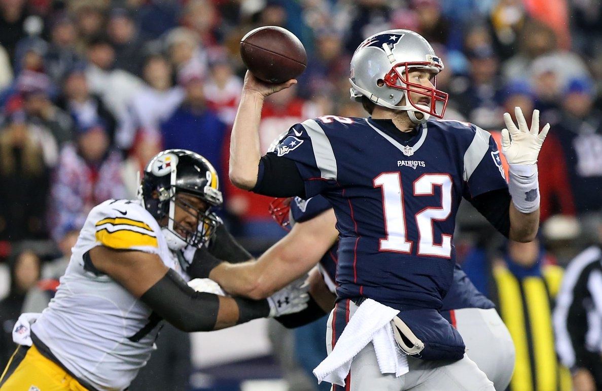 The Pats lead the Steelers 17-9 at the half
