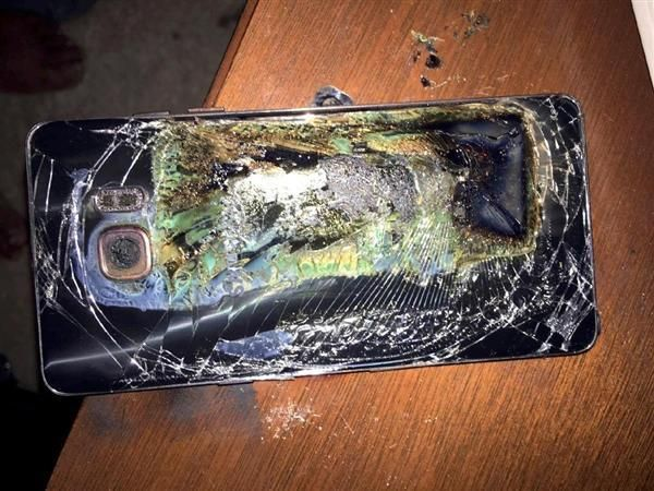 サムスンのスマホ発火、バッテリーが主要原因 「ギャラクシーノート7」 sankei.com/worl…