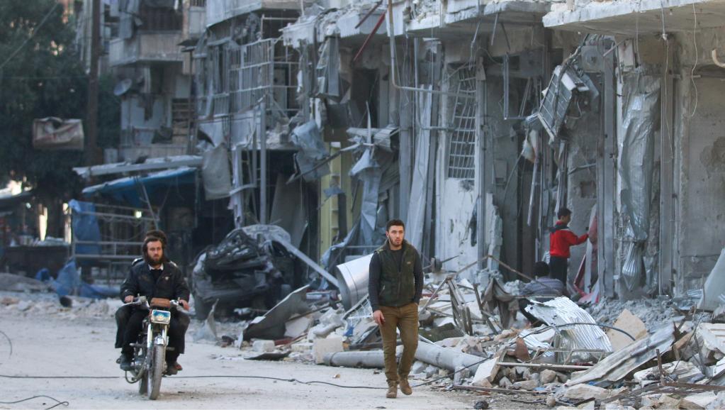 Ouverture des pourparlers de paix sur la Syrie ce lundi à Asta...  http://www. rfi.fr/moyen-orient/2 0170123-pourparlers-syrie-ouvrent-lundi-astana-kazakstan-bachar-el-assad &nbsp; …  via @RFI #france #radio <br>http://pic.twitter.com/WPuBD5AxKZ
