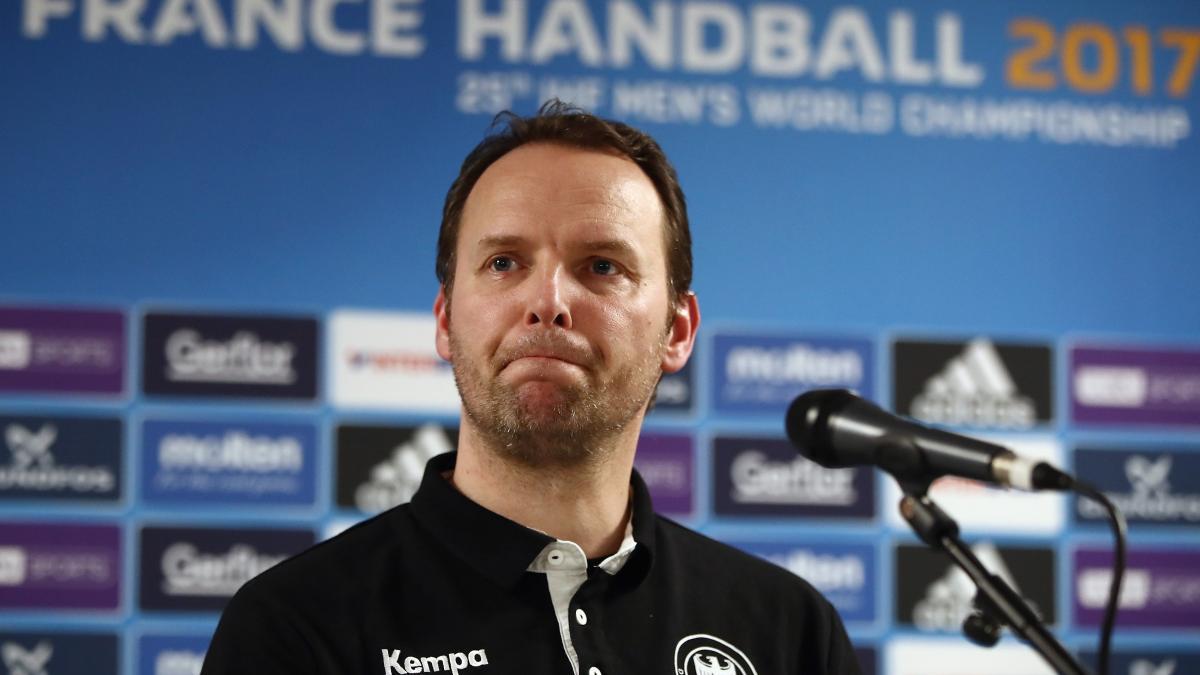 """Handball: """"Das ist ein großer Schock für uns"""" - Enttäuschung nach WM-Aus https://t.co/V5WWbpJSoW https://t.co/dfqDAPAigG"""