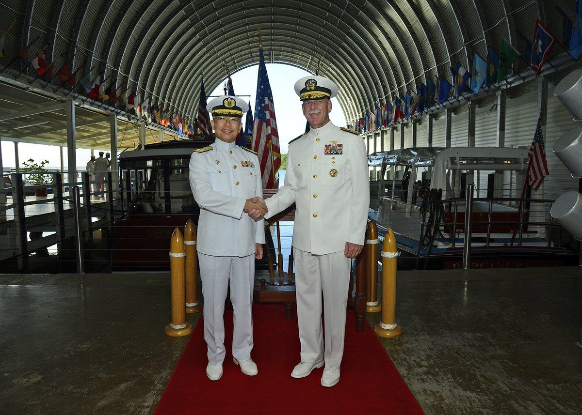 【海自Facebook更新】海上幕僚長のアメリカ合衆国(ハワイ)訪問時の様子を掲載しました。⇒ fa…