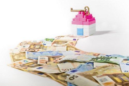 Crédit immobilier : les taux immobiliers remontent doucement mais surement #credit #immobilier #taux #courtier  http://www. le-partenaire.fr/actualites/fin ancieres/credit-immobilier-les-taux-immobiliers-remontent-doucement-mais-surement &nbsp; … <br>http://pic.twitter.com/4FzrqyDZDQ