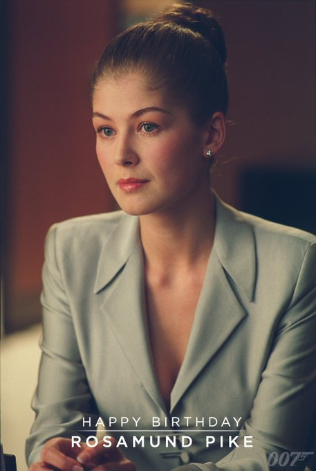 Happy Birthday to Rosamund Pike. She played Miranda Frost in DIE ANOTHER DAY (2002).