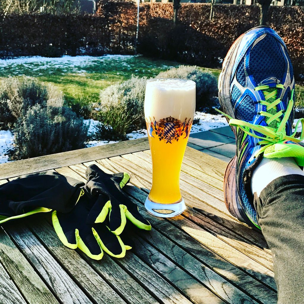 The first ice cold after run Weizen #running #run #runningblog #laufen #runningblog_de #lüdinghausen #winterrun #saucony #instarunners<br>http://pic.twitter.com/XsJMqmMebw