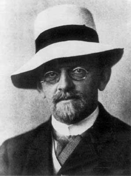 David Hilbert—born #OTD 1862—was a German mathematician who proposed 23 problems that have guided 20th-century math:  https://t.co/rSwZxx7hBA
