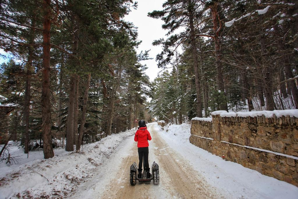 Jess dashing through the trees on a Segway adventure with @AltitudExtrem here in La Molina today! #inPyrenees #visitPyrenees #trespass https://t.co/5SMb26szZm
