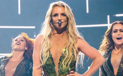 Let's win this! 💃🏻 RT! #BestFanArmy #BritneyArmy #iHeartAwards @TheBri...
