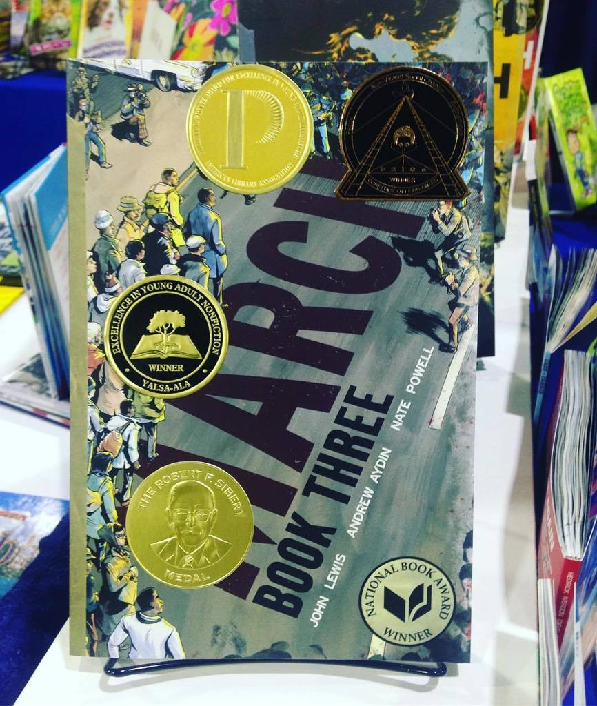 In case you were wondering, this is the cover of MARCH BOOK 3 right now. #alamw17 #alayma https://t.co/o7oUIO7RRg https://t.co/cR3vkmdDeP
