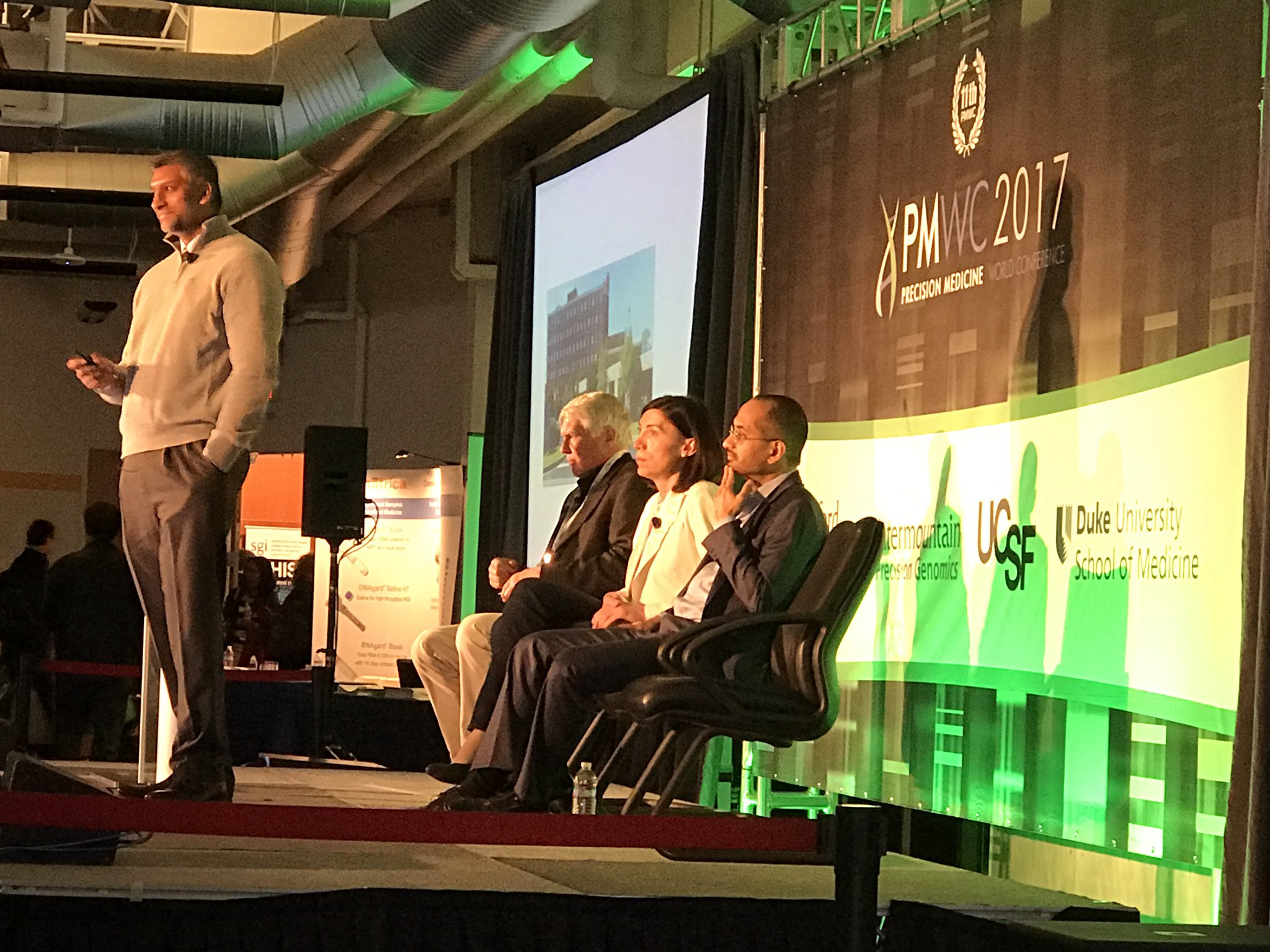 """""""Collision of Research & Emerging Technologies points2why #precisionmedicine is not new"""" @OracleHealthSci 'a Dr. Kahlon #PMWC17 https://t.co/hC60toxd6Z"""