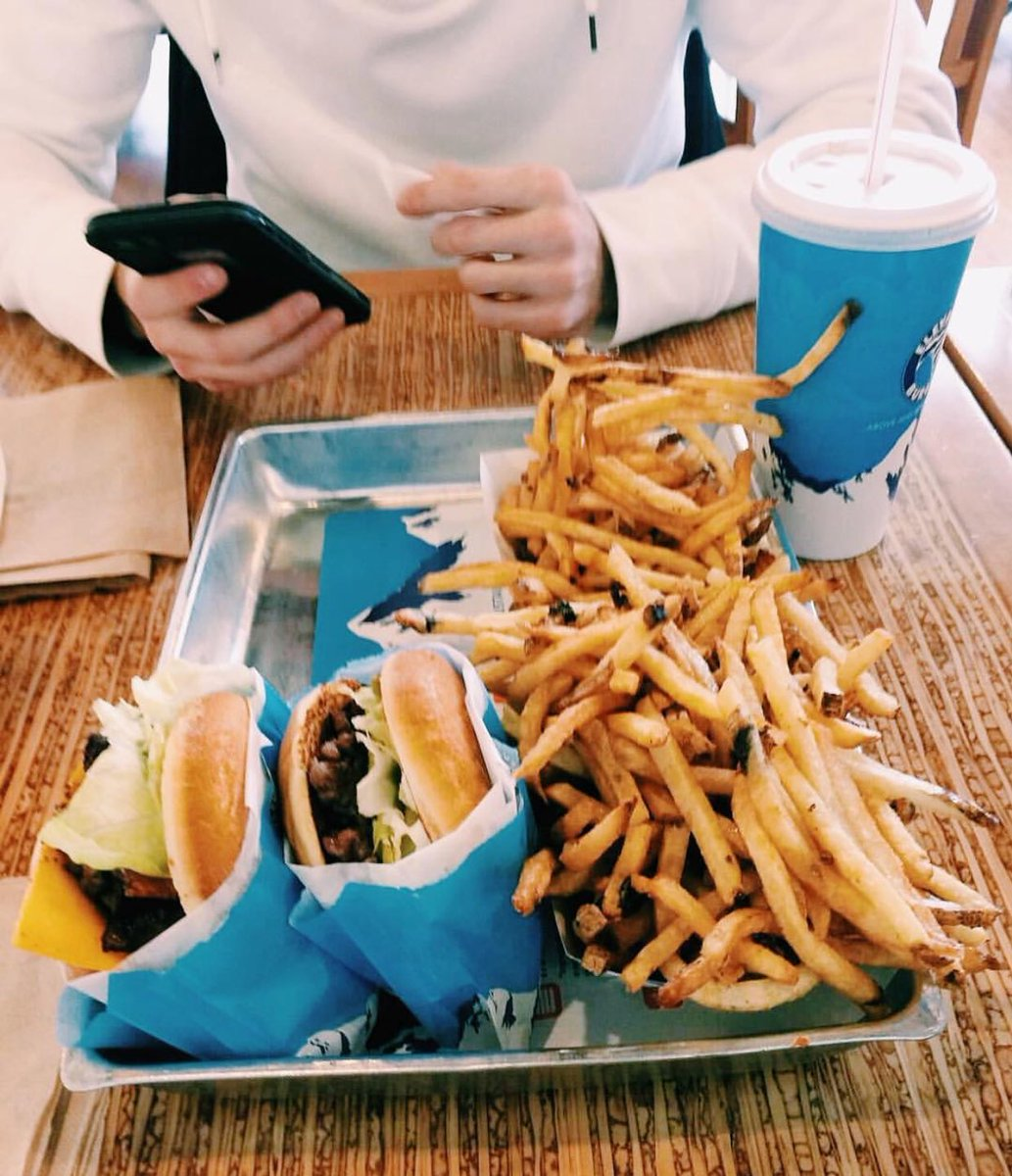 rain drop drop top get your elevation burger chop chop https://t.co/yzS9ZHwRUV