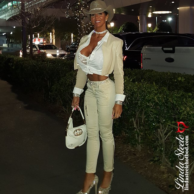 Linda Steele On Twitter Quot My Vegas Shot Show Outfit