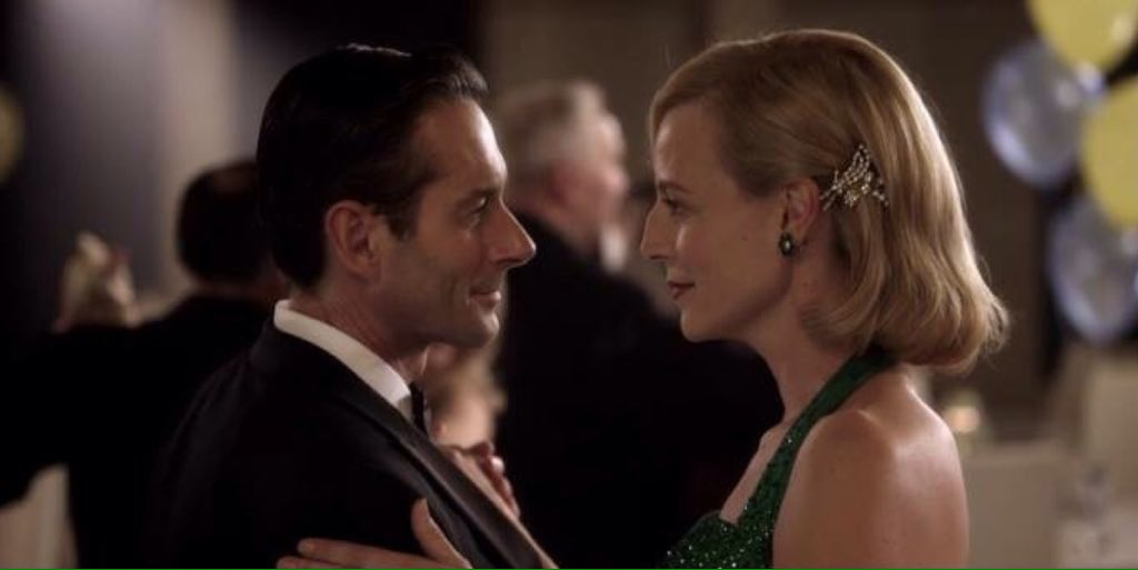 The moment I started shipping Sarah and George 💕🙊😍 #APTCH https://t.co...