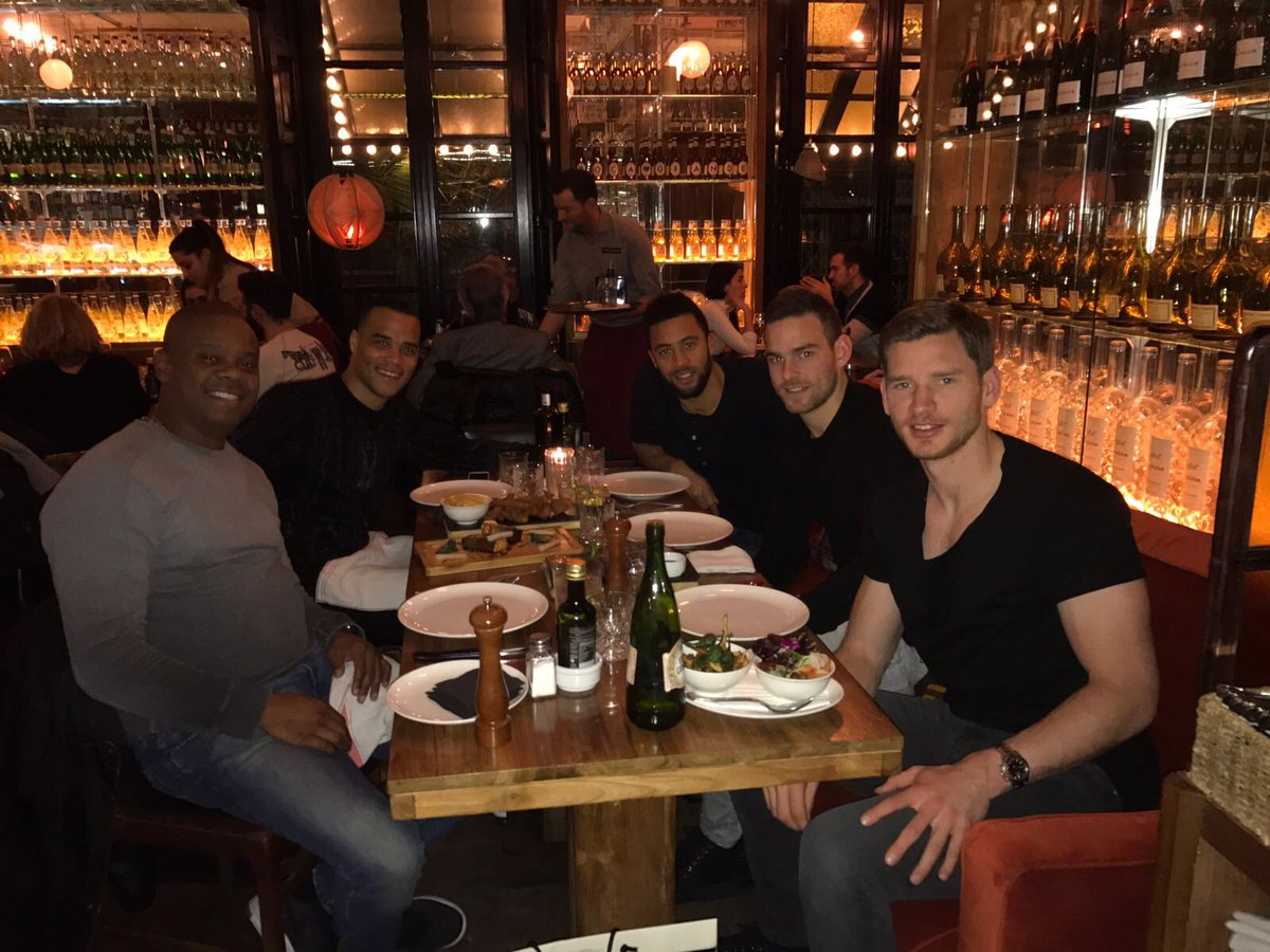 Dinner in Boca Grande Barcelona 🇪🇸 https://t.co/hZ1QaJyvpQ