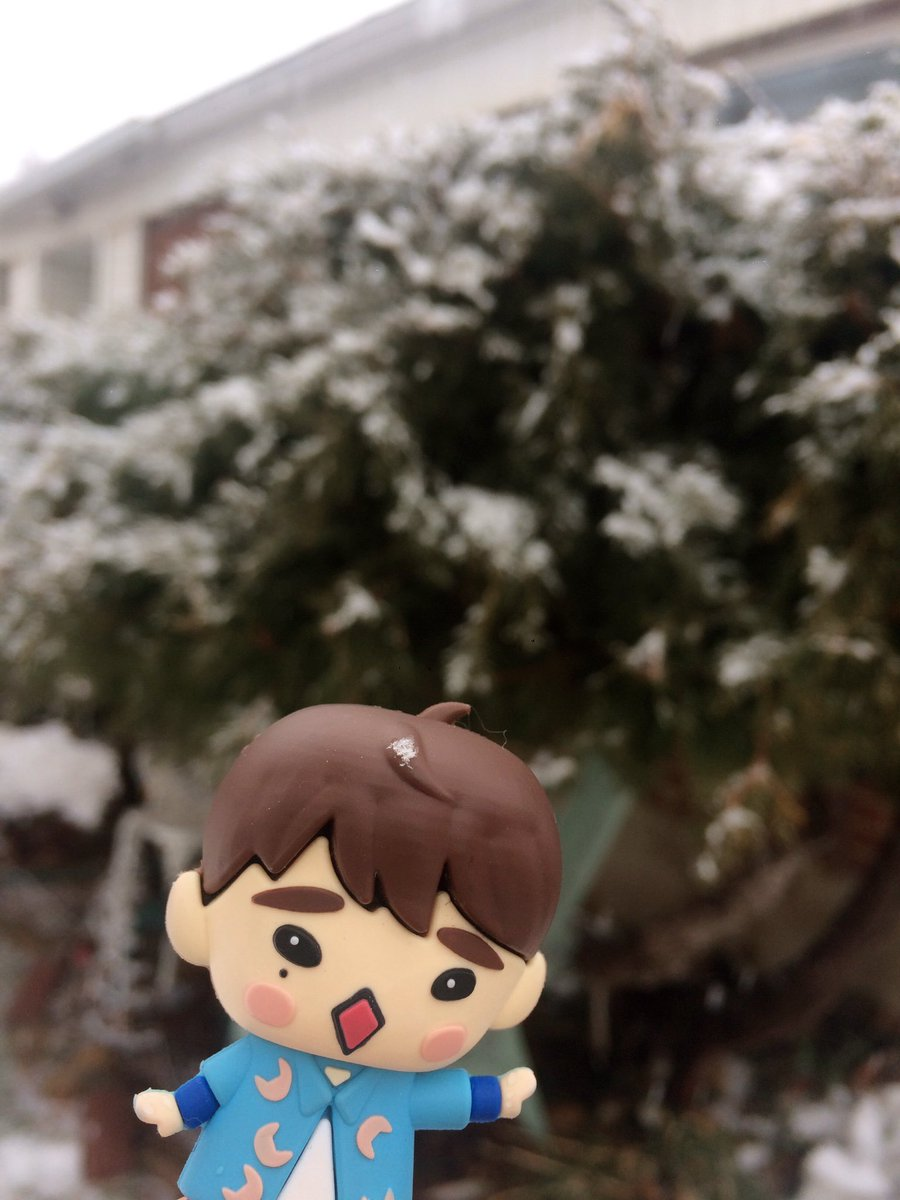YJ in the snow. He caught a snow flake~!  #youngjae #GOT7 <br>http://pic.twitter.com/JojvsyXQK4