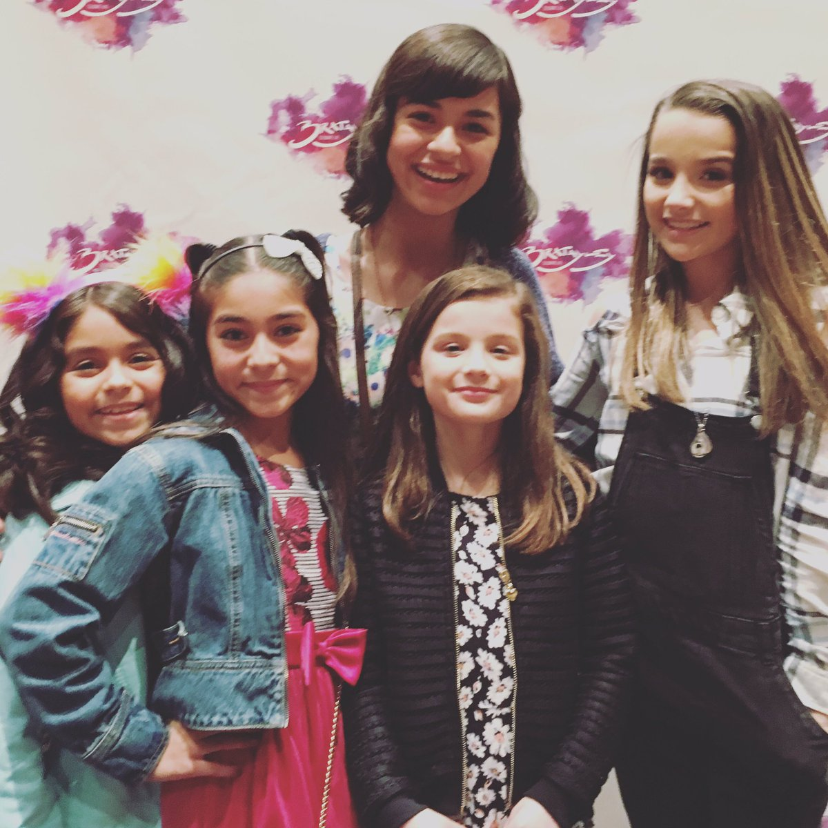 Gem sisters on twitter new vlog just posted we met bratayley the bratayley meet and greet was awesome watch full video on youtube httpst00r8qfqbmz httpstfucqfgt5ci m4hsunfo