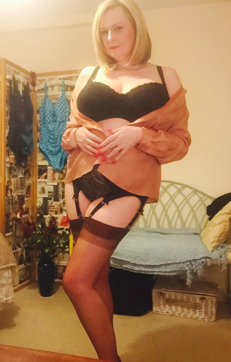 Busty mature in stockings fucks cancer - 3 part 4