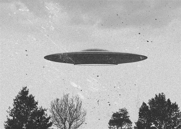 東西ベルリンをつなぐ秘密トンネル、UFO目撃情報まで…機密解除された「1300万ページのCIA文書」…