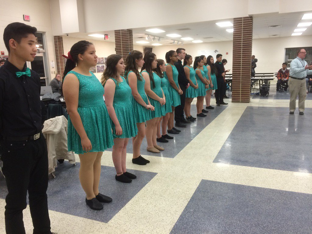 The @PottstownHigh show choir prior to their performance for the school board. @MercuryX https://t.co/f4a77mYI4N