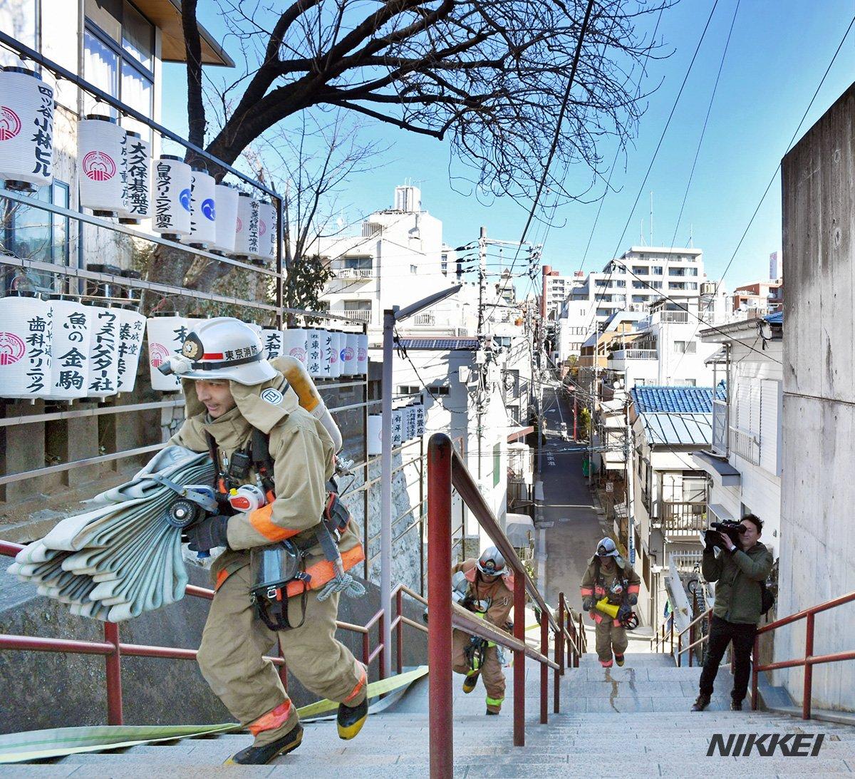 大ヒットのアニメ映画「君の名は。」の聖地とされる東京・四谷の須賀神社で、消防訓練が行われました。近く…
