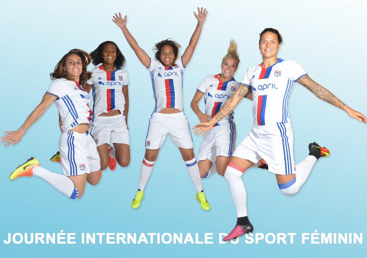 Journée internationale du #sport #féminin : les 3800 collaborateurs du @GroupeAPRIL sont fiers de soutenir depuis 2012 les joueuses de l&#39;@OL<br>http://pic.twitter.com/rfDeADVm9x
